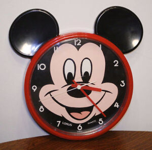 MICKEY MOUSE VINTAGE WALL CLOCK - WORKS PERFECT - $20 FIRM