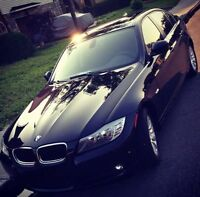 2009 BMW 323i Sedan - 402$ tax included monthly. - 16 mth left