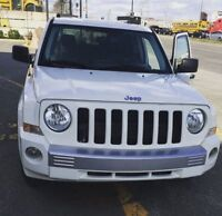 2008 Jeep Patriot Limited White -Fully Loaded- Moving Sale