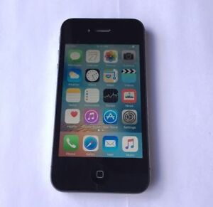 Apple iPhone 4S 16GB Black Rogers Like New 10/10 Condition