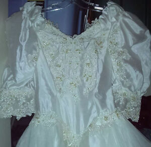 Mint Victorian Style Wedding Dress that was NEVER EVER Worn/Used