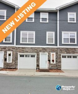 Low maintenance, energy efficient 2 bed/2 both townhouse!
