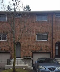 A Nicely Laid Out Townhouse At Guelph! X