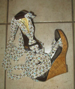 Heels (for prom), boots, flats, size 7, 7.5 $ 5 per pair Kitchener / Waterloo Kitchener Area image 4