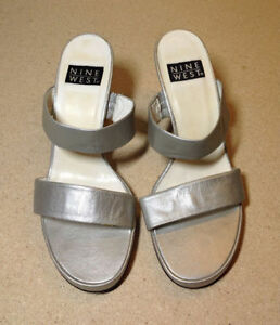 Silver leather stacked heel Nine West wide strap sandals size 8 Cambridge Kitchener Area image 7