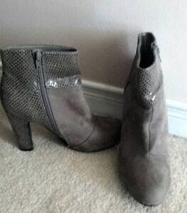 Boots- sz 6- 6.5