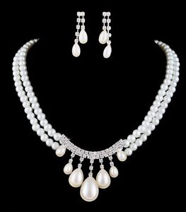 Brand new with tags bridal necklace and earrings set London Ontario image 1
