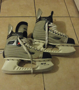 Men's Size 11 Bauer Ice Skates