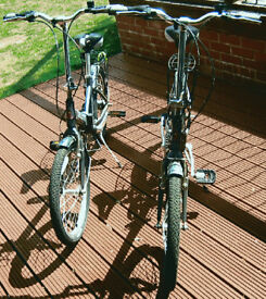 Raleigh Parkaway unisex folding 'bikes (a pair) in excellent condition.
