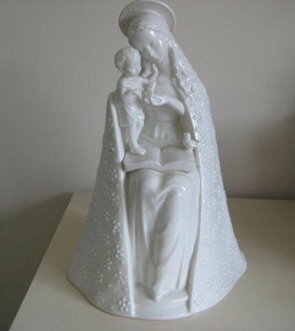 Large Vintage Madonna By M. J. Hummel Germanyin Rowlands Castle, HampshireGumtree - In very good condition with slight damage to little birds tail and some crazing due to age.. Stands 12 inches high( 30.5 cm) approx. Inspection welcome. £25.00 ono