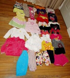 lot (37 items) of girl's clothing for 3 years of age