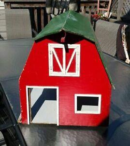Vintage Wooden  Barn Toy  - Folk Art Toy -    $25 OBO