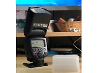 Canon 580 EXII flash with case and diffuser. Excellent conditions