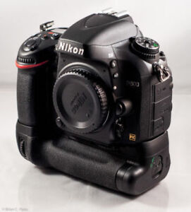 Nikon D600 w/grip and 2 batteries