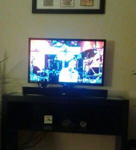 RCA Roku 32 inch Smart Tv with RCA Soundbar