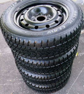 LIKE NEW! 225 60 16 - ARCTIC CLAW - SNOW TIRES oN RIMS - 5x115