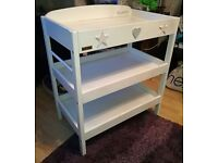 beautiful baby changing unit from east coast , top and tail bowl and changing mat