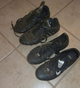 2 pairs soccer cleats, Nike men's 9.5 $8, Spalding men's 10 $ 5 Kitchener / Waterloo Kitchener Area image 1