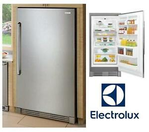 NEW* ELECTROLUX SS REFRIGERATOR - 127878901 - 18.58 CU FT FREEZERLESS FRIDGE STAINLESS STEEL