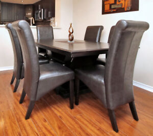 Moving Sale Dining Table With 6 Chairs