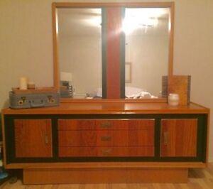 Set de chambre vintage, vrai bois, excellente condition !!!