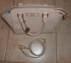 Various handbags $ 5 - $ 55 (DKNY, Armani, GUESS, no name) Kitchener / Waterloo Kitchener Area image 1