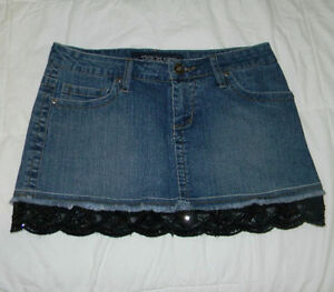 Dressy Jean Mini with sequence   Size 9 - fits a bit smaller (yo Windsor Region Ontario image 3