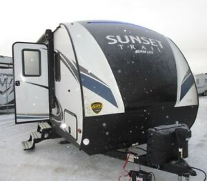 2018 CrossRoads RV Sunset Trail Super Lite SS239BH