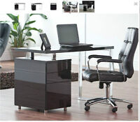 Structube TANGO office chair (excellent and clean condition)