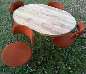 WOOD DINING TABLE, 3 WOOD CHAIRS, 70's STYLE KITCHEN TABLE/CHAIR