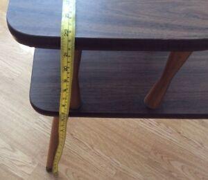 """VINTAGE TABLE D'APPOINT OU DE CHEVET """" FAIT AU CANADA """" Gatineau Ottawa / Gatineau Area image 4"""