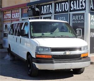 2011 Chevrolet Express Passenger LT/15passenger