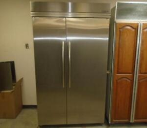 KITCHENAID BUILT IN FRIDGE / REFREGERATEUR ENCASTRE KITCHENAID