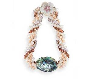 PEARL NECKLACE CUSTOM ONE OFF DESIGN CHRISTMAS SPECIAL $225.00 Stanthorpe Southern Downs Preview
