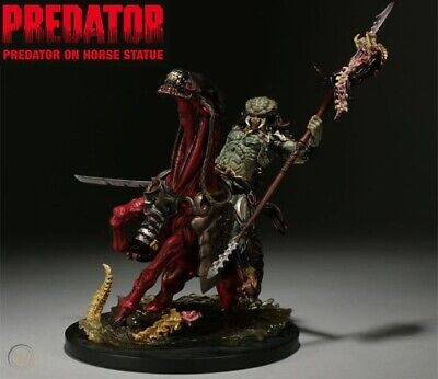 SIDESHOW Collectibles Predator On Horse Statue