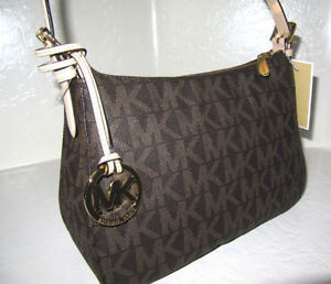NEW AUTHENTIC MICHAEL KORS logo signature print - $145