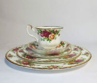 12 Sets de Vaisselle/Table Set Royal Albert Old Country Roses