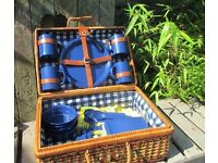 Vintage Retro Picnic Hamper Basket Includes Table Cloth