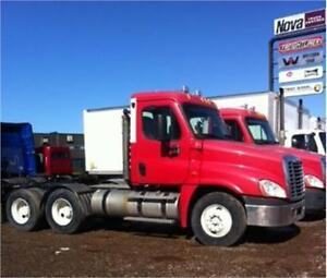 2009 Freightliner Cascadia Day Cab