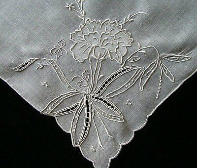 PRISTINE Vtg MADEIRA White Linen Wedding Hanky CARNATION Hand Embroidered UNUSED