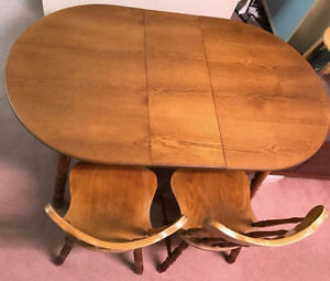 Vintage Solid Maple Dining Table Set with 1 Leaf