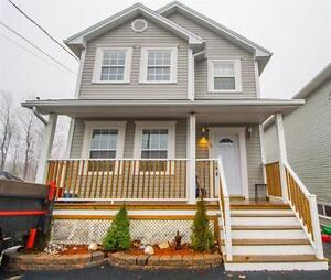 MUST SEE home in Halifax! 28 Inspector Court
