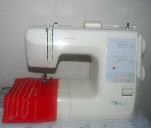 JANOME MY STYLE 28 SEWING MACHINE IN VERY VERY GOOD CONDITION Liverpool Liverpool Area Preview