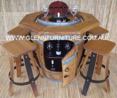 SUGAR GUM SOLID TIMBER TOP WITH COOLER AND STOOLS
