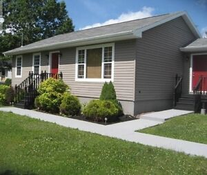 Beautiful Bungalow in Kytes Hill Subdivision!!!