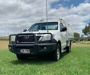 2013 Toyota Hilux KUN26R MY14 SR (4x4) Glacier White 5 Speed Manual Cab Chassis Oakey Toowoomba Surrounds Preview
