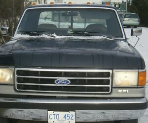 Ford 250 With Truck cap 2 WD