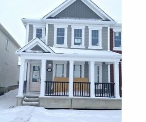 3 bedrooms, 2.5 bath Near Airport ,NEW House ,Double Garage