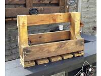 Rustic pallet bottle and wine glasses holder