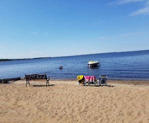Chalet sur le bord de plage privée au Lac St-Jean